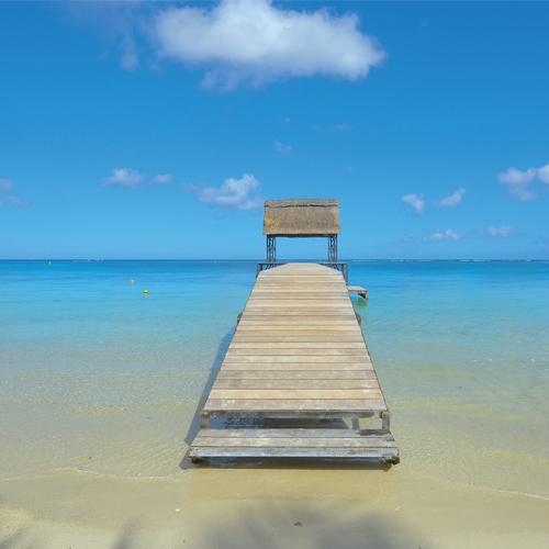Steg im Meer auf Mauritius